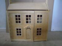 wooden dolls house - Furniture, contents & Dolls
