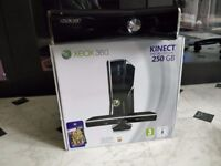 Xbox 360 S, Kinect, 2 controllers and games