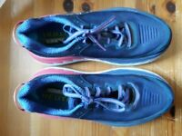 ladies hoka running shoes size 6 but come up smaller