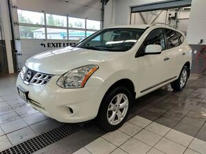 2011 Nissan Rogue SV - NEW FRONT BRAKES - No accidents!