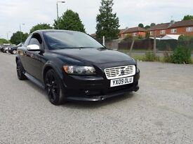 VOLVO C30 2.0 D R-DESIGN SPORT. (bLACK) Drives, handles perfect. Brakes lights on, as seen in photo.