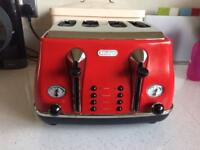 DeLonghi Toaster red