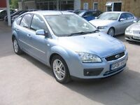 2006 FORD FOCUS 1.6 GHIA, IN LOVELY CONDITION, 9 SERVICE STAMPS, ALLOYS, HEATED FRONT SCREEN,