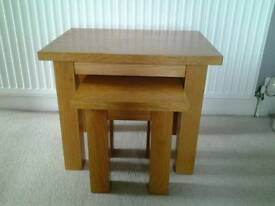 Oak nest of 2 tables