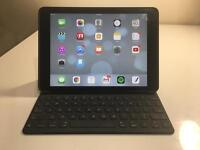 iPad Pro 9.7 inch 256GB - WiFi + Cellular with Apple Keyboard! (Free Shipping)
