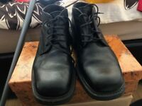 Mens Dolcis leather Boots Great condition hardly worn Size 41 '7' UK