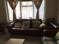 3 bedroom house in Layfield Road, Hendon
