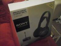 brand new sony wirelesses headphones
