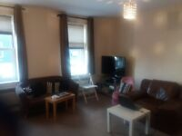 1 large bed flat in Sutton SM1