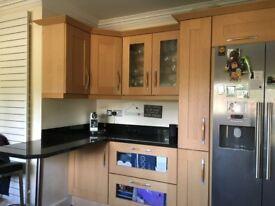 Luxury kitchen units, granite worktops, ceramic sinks & combi cooker