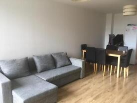 Stunning 1bedroom flat completely furnished with car space in a residence Area near Blackheat