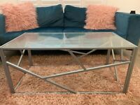 Coffee table and size board