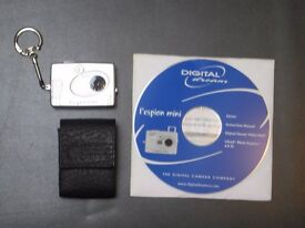 DIGITAL MINI SPY CAMERA KEYRING - QUICK SALE