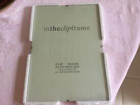 3x Clip frames