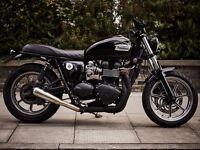 Triumph Bonneville Se Custom Motorcycle many extras