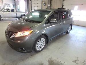 2014 Toyota Sienna XLE AWD WITH LEATHER & MOONROOF