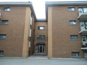 Rockliffe/Vanier (Beechwood) 2 Bedroom Condo For Rent