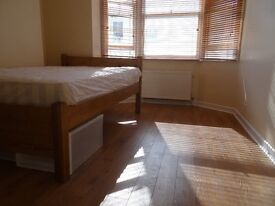 Split Level Studio Flat near Brighton Station