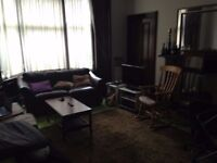 Bedroom available May 1st in Flat off Byres Road