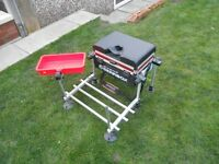 Avanti Gearbox / fishing seat box with foot plate includes octopus side tray