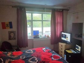 DOUBLE ROOM TO RENT IN RICKMANSWORTH