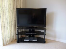"""Sony Bravia 40"""" model KDL 40L-4000 LCD colour TV for sale , immaculate, faultless"""
