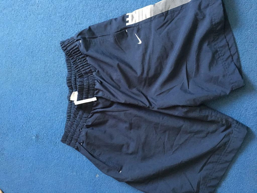 Mens Nike shorts only/xlin Poole, DorsetGumtree - Mens Nike shorts in l/xl in great condition elasticated waist with drawstring fastening netting inside so could be used as swim shorts thanks for looking only £10.00
