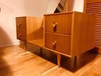 Vintage dressing table / 1960/70s by Meredew
