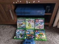 Xbox one 1tb and six games
