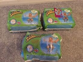 Huggies Little Swimmers Swim Nappies x33 - Size 3-4