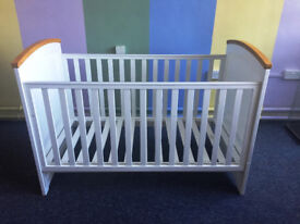 Tutti Bambini Barcelona Drop Side Cot Bed & Junior Bed | Brand New RRP £165 | Slight Damage to Trim