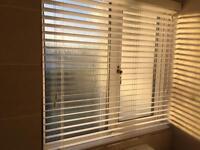 White Venetian blind for bathroom/kitchen - never used