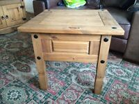 Side/lamp table excellent condition