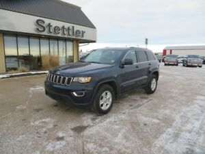 2017 Jeep Grand Cherokee LAREDO BACK UP CAMERA! BLUETOTH!!