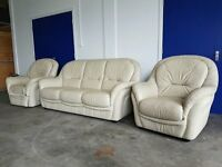 CREAM / BEIGE LEATHER SET MADE BY HUKLA 3 SEATER SOFA / SUITE / SETTEE & 2 CHAIRS ELECTRIC RECLINER