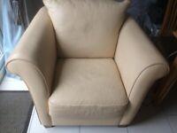 Natuzzi Cream/Magnolia Leather Armchair. 1m wide 85cm high 90cm deep. Wooden legs