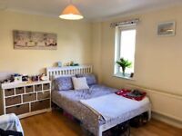Large double room available end of March, £580 inc bills