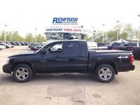 2007 Dodge Dakota SLT/ Lots Hail