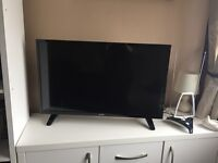 Luxor 32 Inch HD-Ready, Smart Combi TV With Built-In DVD Player and Aerial