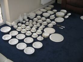 Royal Worcester Fine Bone China Crockery in Gold Chantilly large collection (near 8 place setting)