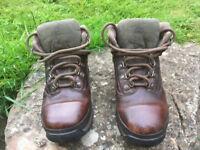 Child's Timberland Walking Boots- Size 2.5UK, 35EU