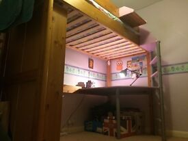 STOMPA WOODEN HIGH BED, LILAC AND PINE.