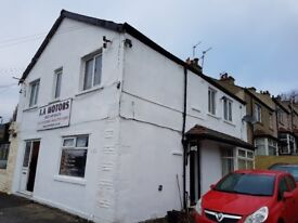 4 Bed Flat to Let in BD20