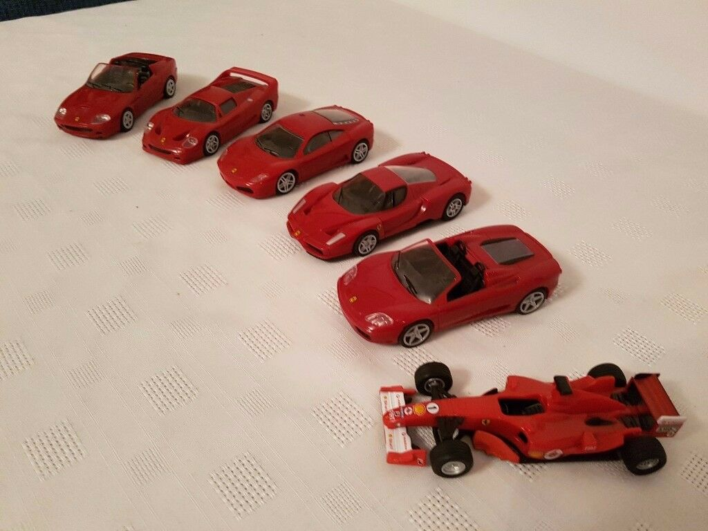 Zip back – wind up motor – Ferrari toy cars