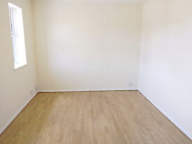 1 Bed Flat, Feilding Avenue, Tilbury - Newly Decorated
