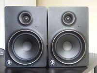 Mackie MR8 mk2 Studion Monitors Pair (spairs/repairs - one still works) £150 ONO