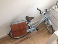 Vintage Style Bobbin Birdie Metropole Women's Hybrid Bicycle with extra Bag, London