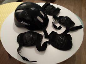 UNUSED Riderz Boys' Bike Helmet and Pads Set £5.00 Kennington SE11 LONDON