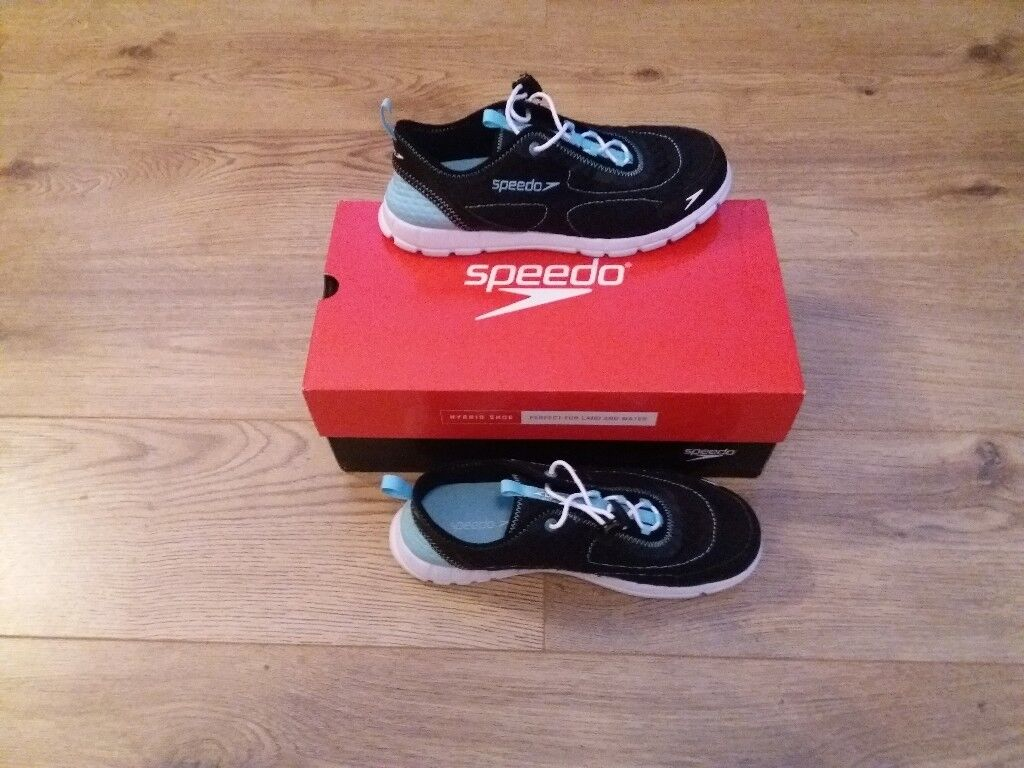 Size 7 trainers