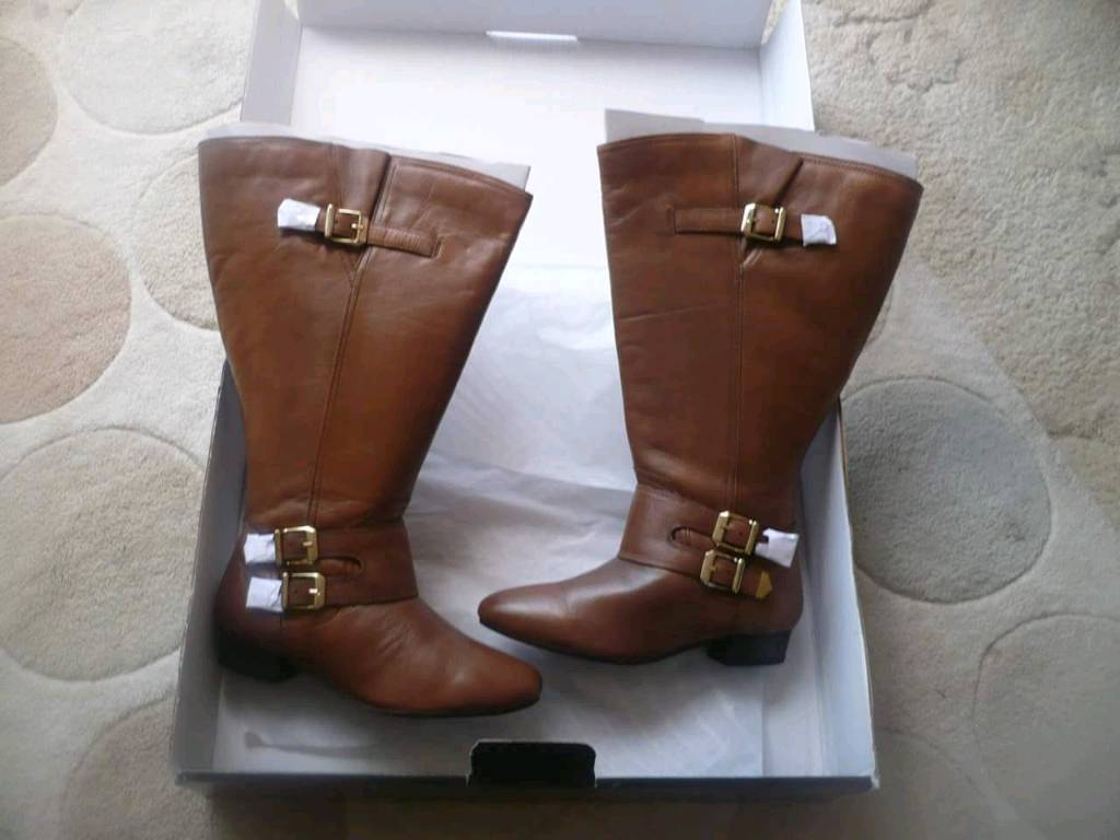 Womans boats for salein Plymouth, DevonGumtree - Womans boots does sale brand new never been worn need gone size 4
